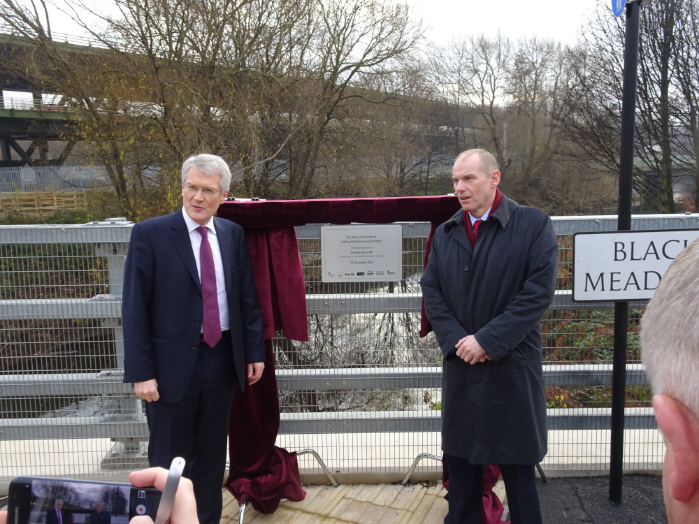 Minister marks opening of Bus Rapid Transit North scheme
